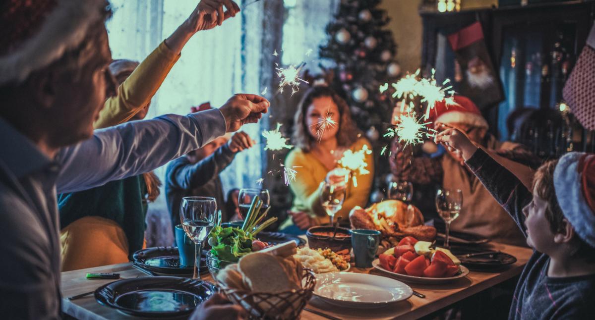 Bilder Weihnachtsessen.Festliches Weihnachtsessen Geld Leihen Per Kleinkredit Jetzt